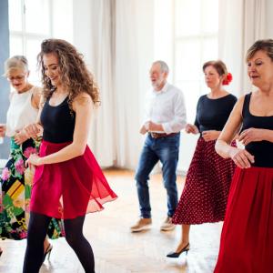 benefici del ballo socializzare